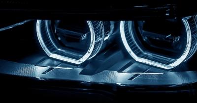 Wybór świateł w samochodzie - halogeny, LED-y czy ksenony