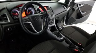 Opel Astra Enjoy wnętrze